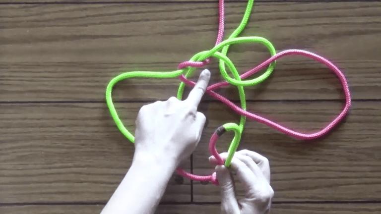 How to tie a fiador knot step 7
